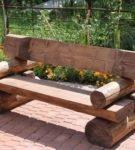 Деревянная лавочка для сада
