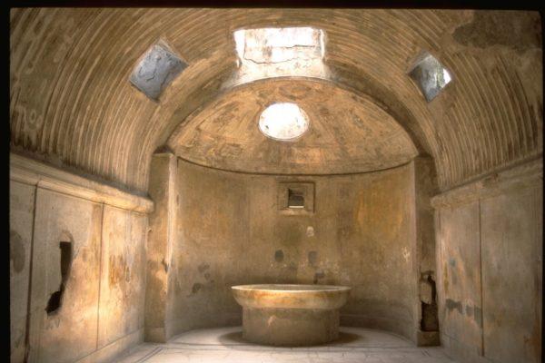 Интерьер средневекового хаммама