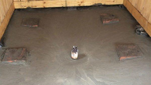 Первый слой бетона