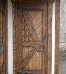 Оригинальные наборные деревянные двери