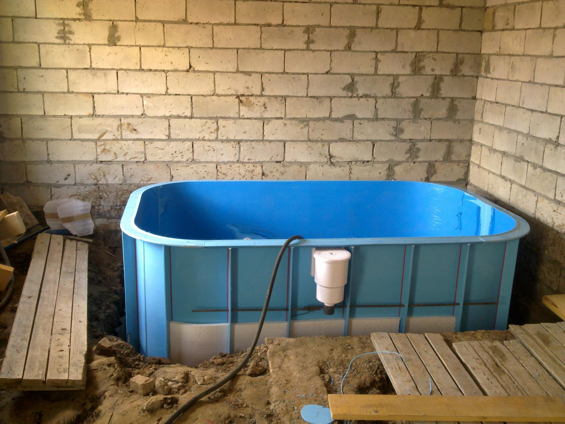 Бассейн для дачи с ванны своими руками