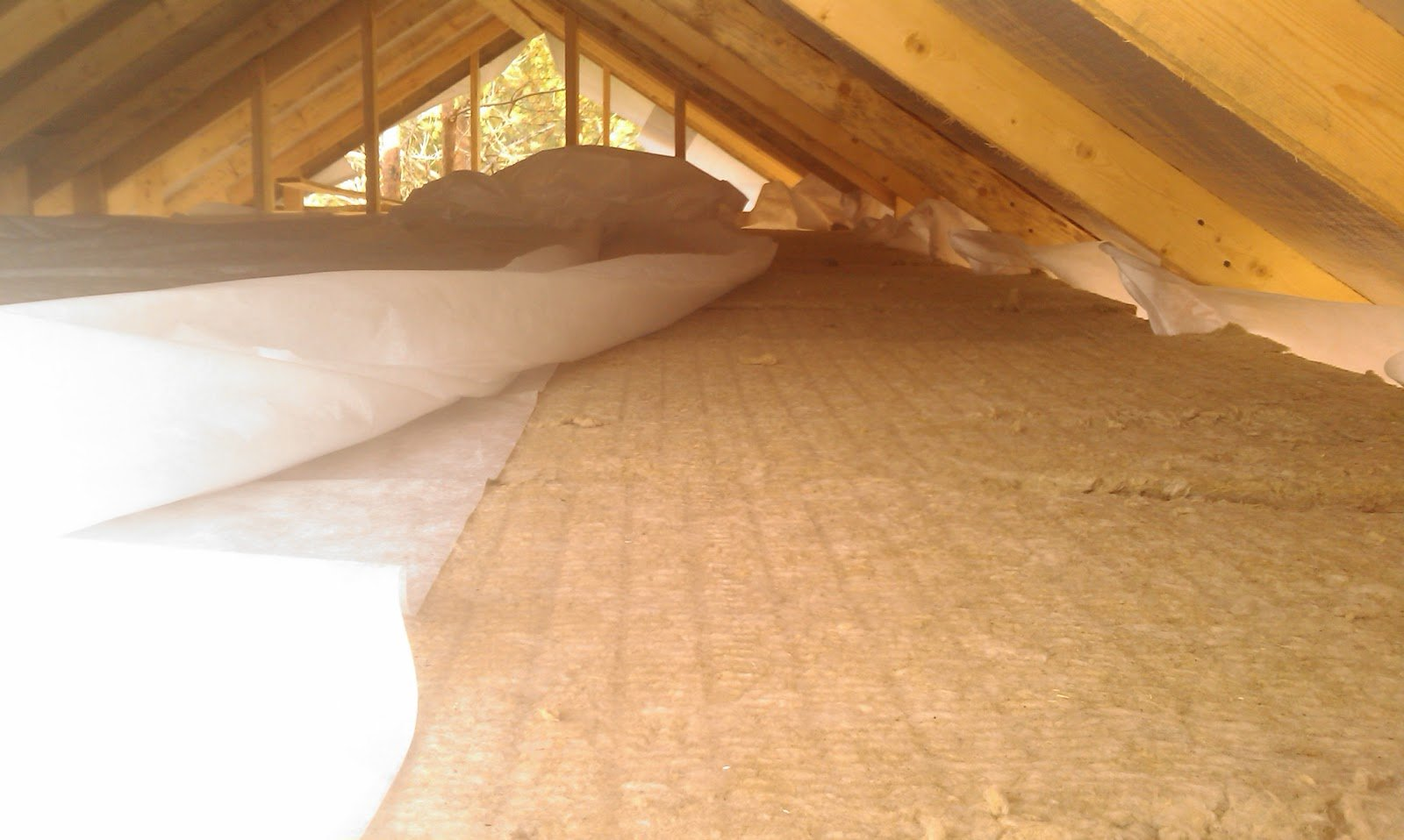 Теплоизоляция потолка в частном доме своими руками