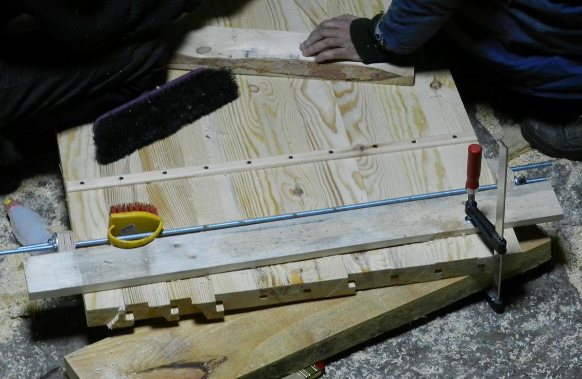 Как сделать в домашних условиях деревянную дверь