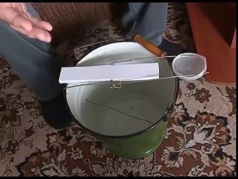 Ловушка из ведра с водой