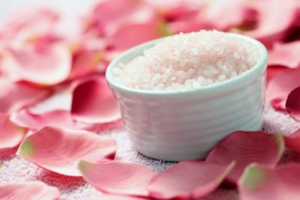 Освежитель из соли и лепестков цветов