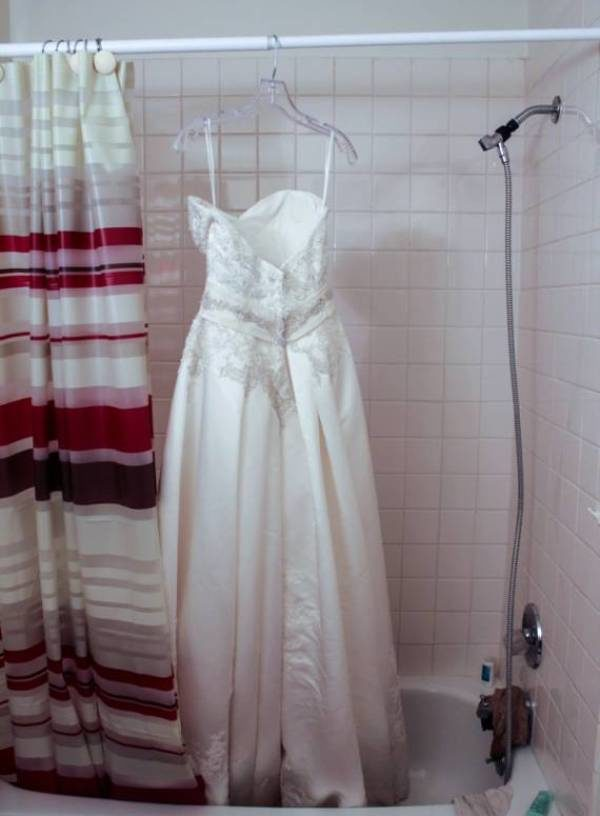 Свадебное платье в ванной