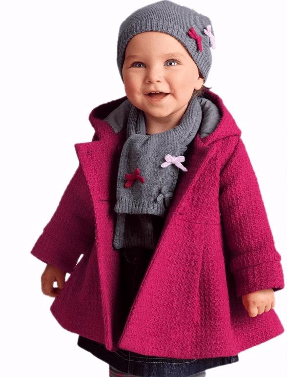 Ребёнок в пальто