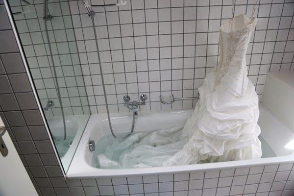 Полоскание свадебного платья