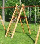 Детский гимнастический комплекс из дерева