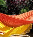 Подвесные тканевые гамаки с бахромой