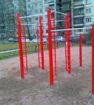 Металлический гимнастический комплекс
