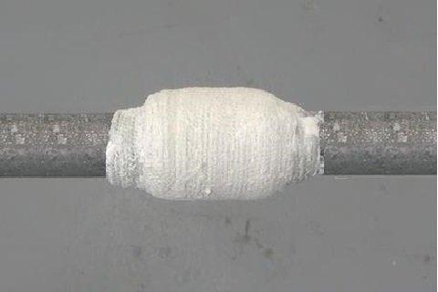Труба с герметизирующей лентой