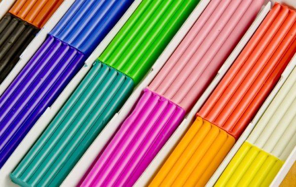 Брусочки разноцветного пластилина