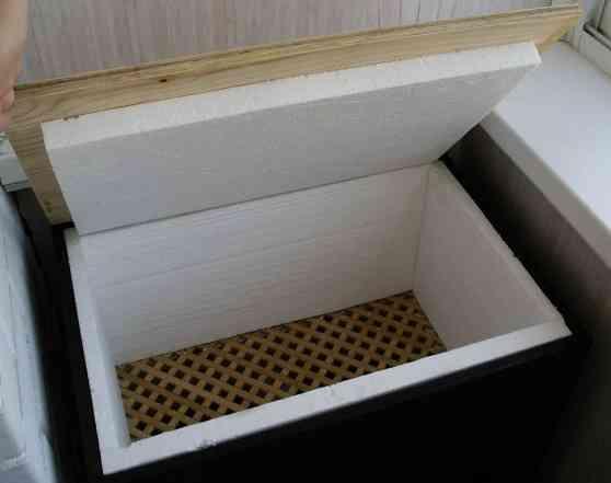 Мини-погреб на балконе
