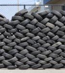 Плетёный забор из шин