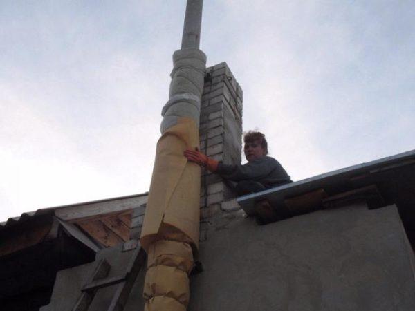Утепление дымохода из асбестовой трубы
