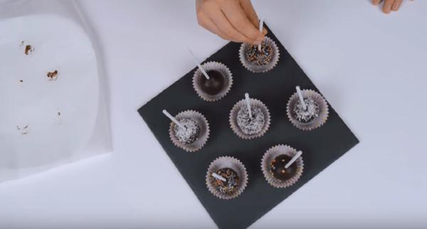 Кейк-попсы в формочках