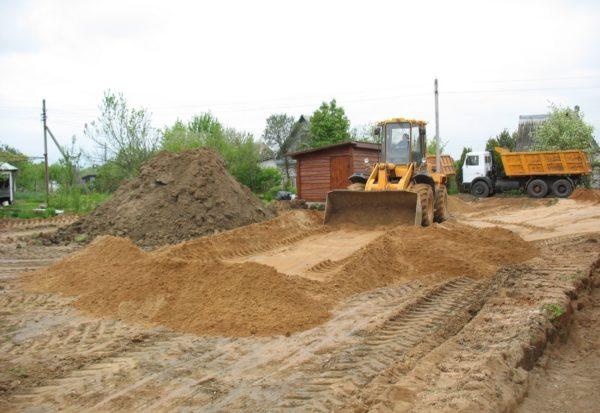 Подготовка земли под сарай