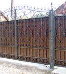 Кованые ворота с основой из профлиста