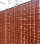 Забор из профнастила с имитацией кирпичной кладки