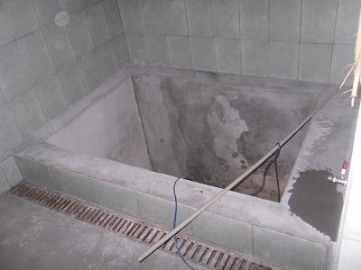 Купель из бетона оштукатуренная