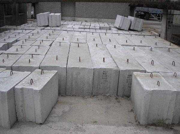Фундаментные блоки ручной укладки