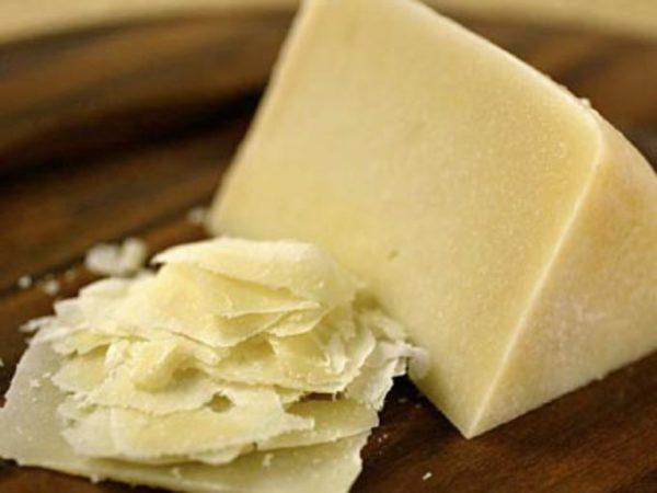 Ломтики сыра Пекорино