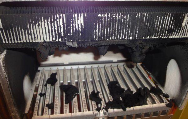 Очистка радиатора колонки от копоти