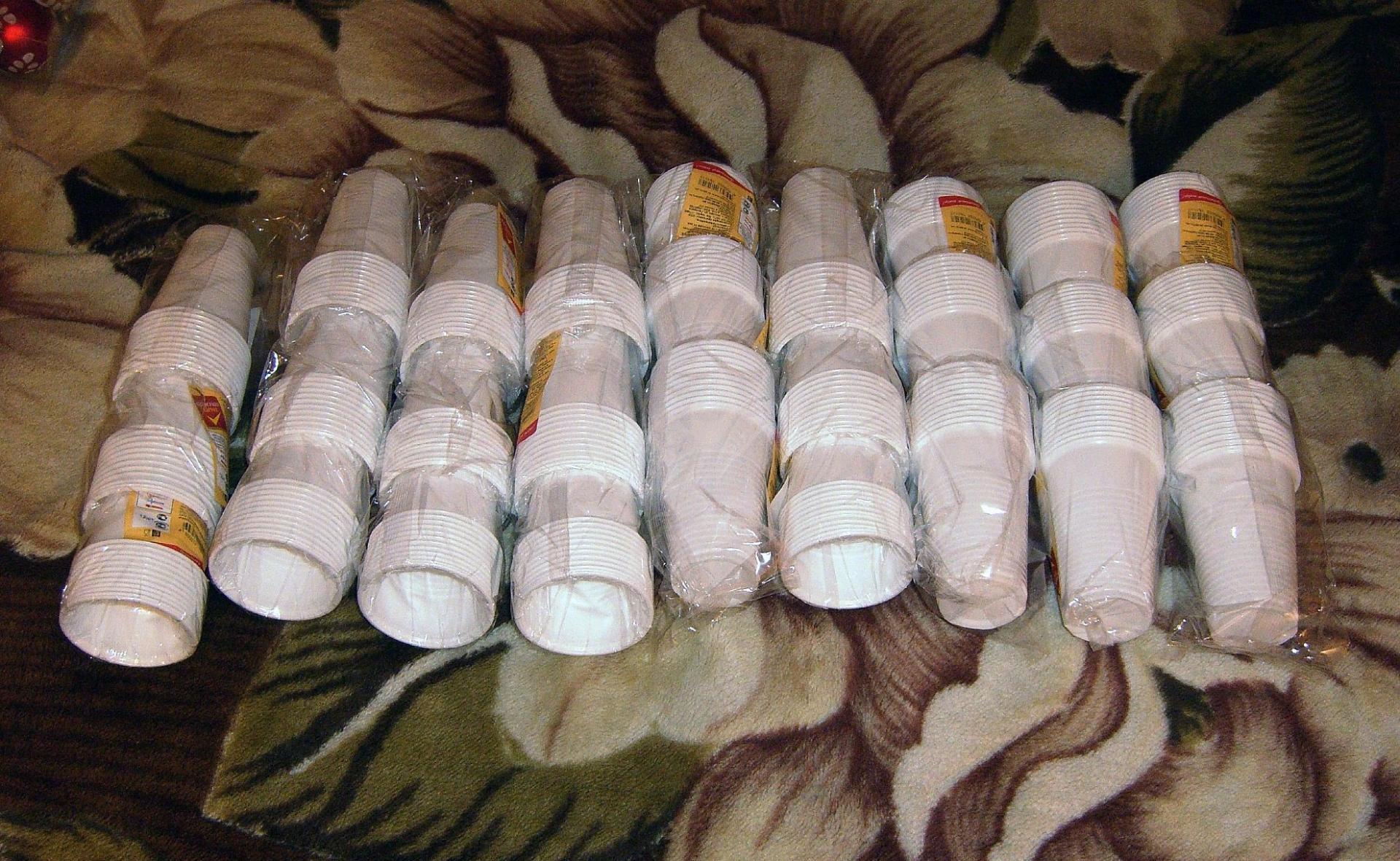 Снеговик из пластиковых стаканчиков маленьких своими руками пошагово фото 196