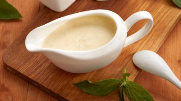Соусник со сливочным соусом