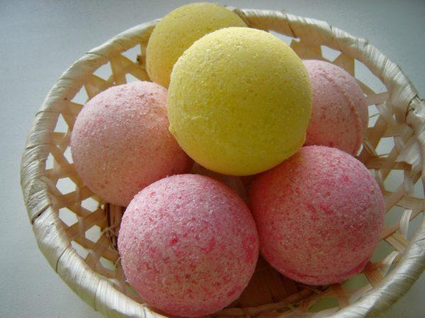 Готовые цветные шарики для ванн