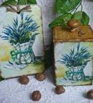 Декоративная доска и коробка с росписью