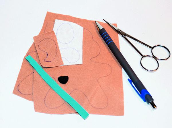 Фетр, ручка и ножницы