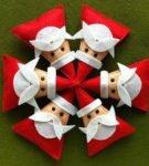 Игрушки в виде Деда Мороза из фетровых треугольников