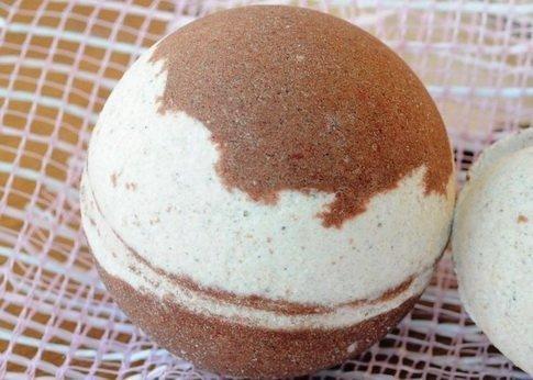 Готовый «шоколадный» шарик для ванны