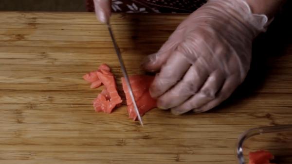 Нарезка красной рыбы