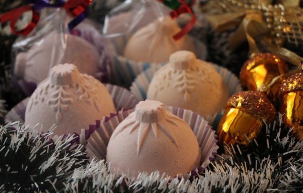 Новогодние шары для ванны