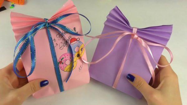 Пакеты с новогодними подраками