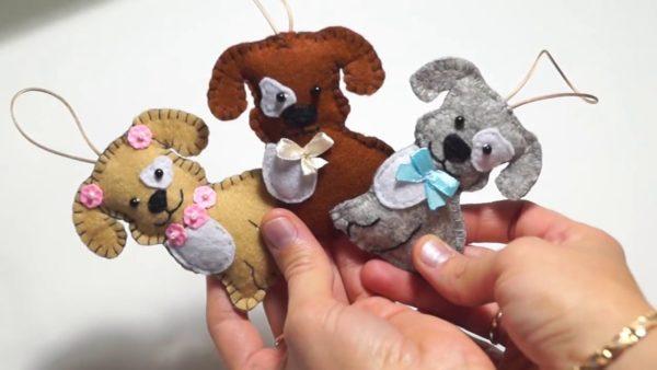 Пёсики игрушки из фетра