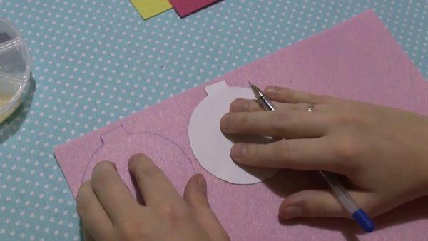 Шаблон елочного шарика из бумаги на фетре