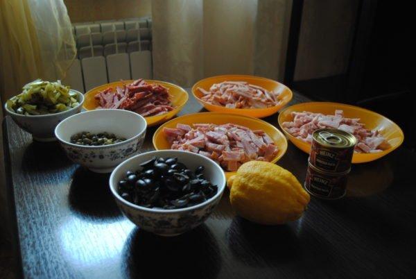 Ингредиенты для пошагового рецепта солянки