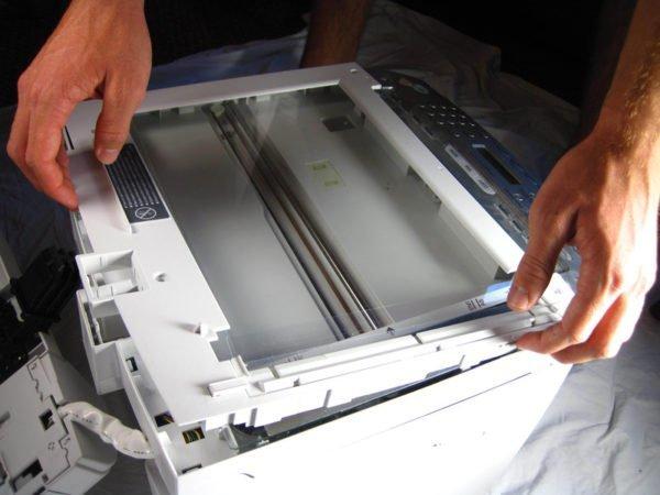 Снятие стекла сканера