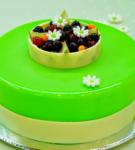Торт зелёного цвета