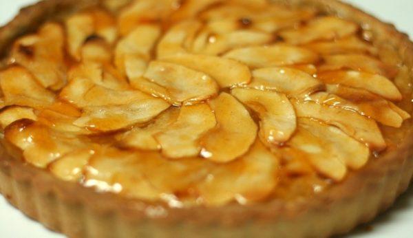 Французский пай с яблоками