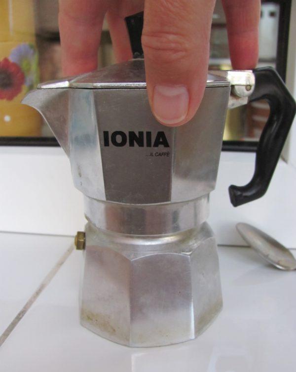 гейзерная кофеварка в сборе