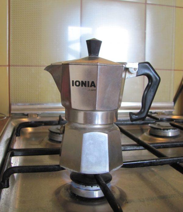 кофеварка на огне