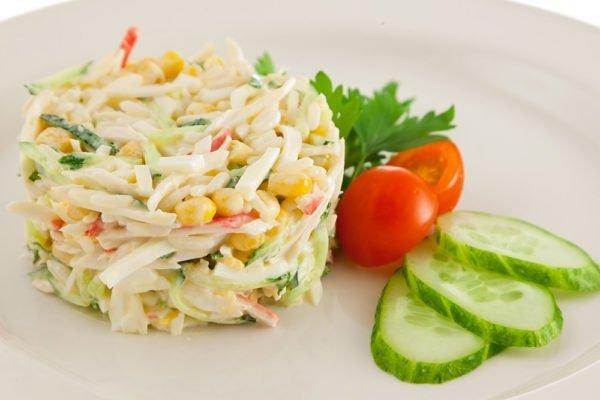Крабовый салат, майонез заменён на йогурт
