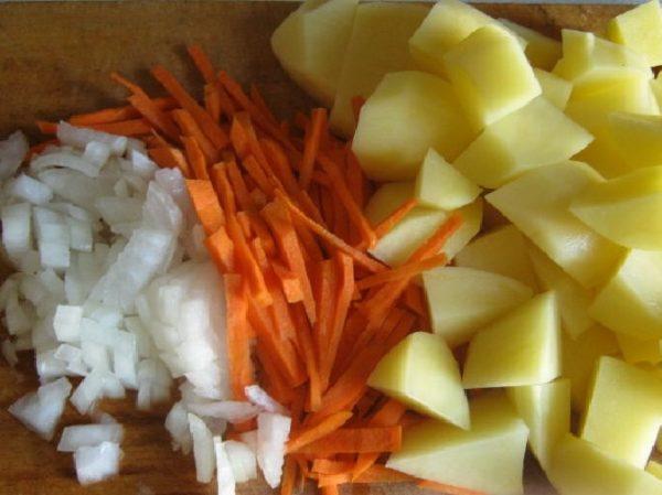 Лук, морковь и картофель