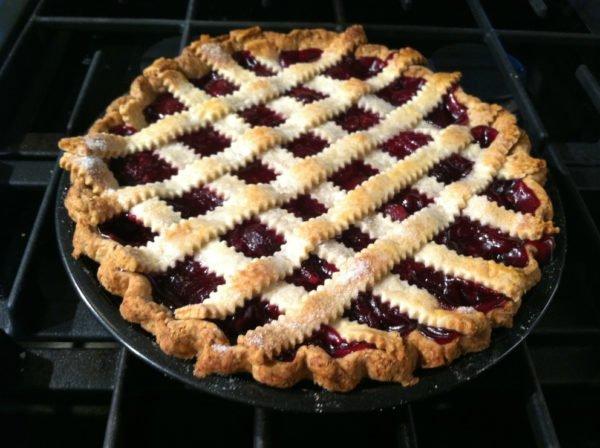 Песочный пирог с фруктовой начинкой