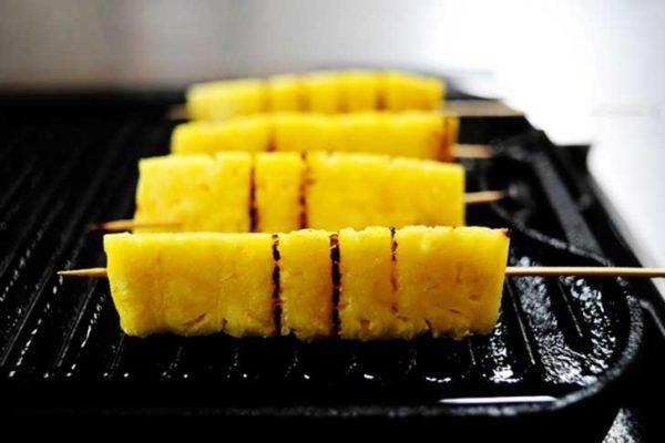 ананасы на гриле